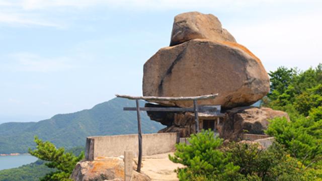 香川県 重岩(かさねいわ)